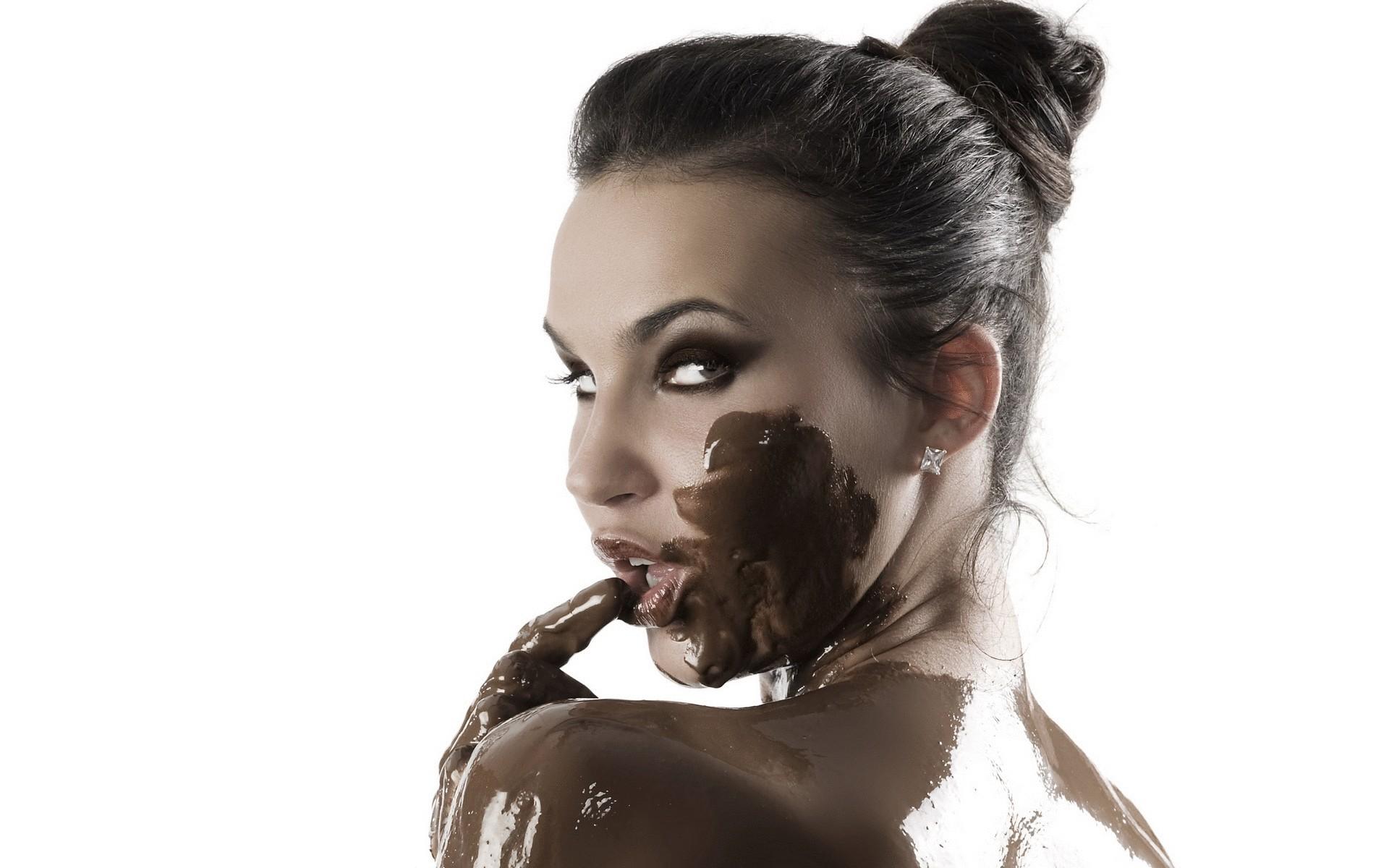 имени девушки в шоколаде откуда возьмись