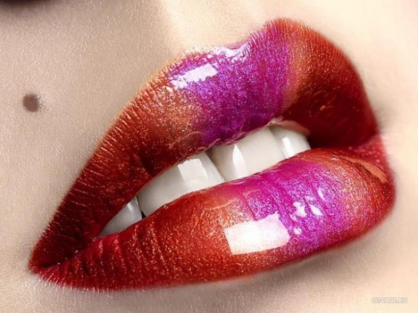 Смотреть бесплатно женские большие губы 14 фотография